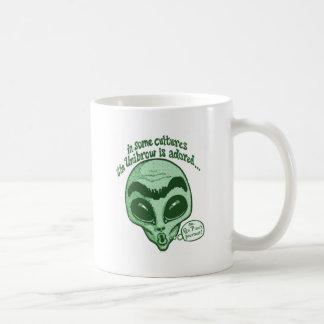 Några kulturer älskar Unibrow Kaffemugg