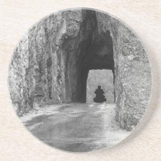Nålarhuvudvägtunnel Underlägg