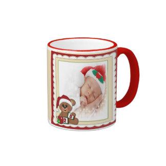 Nalle i mall för Santa hattfoto Ringer Mugg