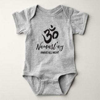 Namast'ay vaknar all natt tee shirt
