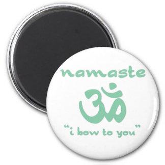 Namaste - jag bugar till dig (i grönt) magnet rund 5.7 cm