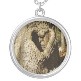 Namn snidit hjärtaträdhalsband silverpläterat halsband