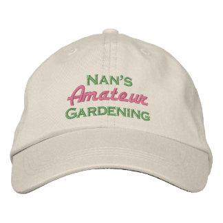 Nans arbeta i trädgården för amatör broderad keps