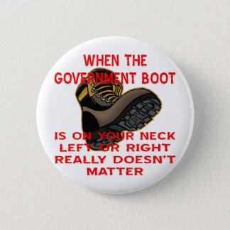 När den regerings- kängan är på din lämnade nacke standard knapp rund 5.7 cm