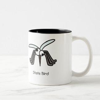 När du önskar att smälla någon - kaffemuggen Två-Tonad mugg