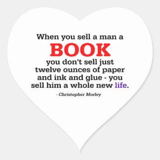 När du säljer en man en bok hjärtformat klistermärke