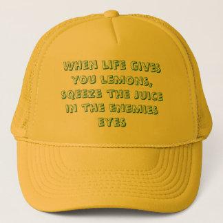 När liv ger dig citroner, sqeeze fruktsaften i… keps
