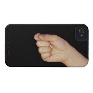 Närbild av en räcka med den grep hård om näven iPhone 4 Case-Mate skal