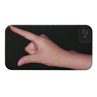 Närbild av en räcka med fingret och tumen iPhone 4 Case-Mate skydd