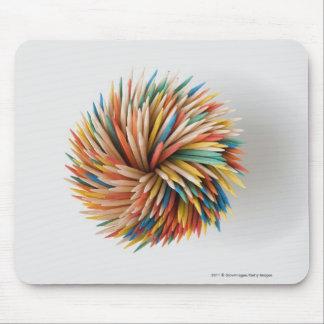 Närbild av färgpennor musmatta