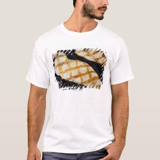 Närbild av grillade fega bröst tshirts