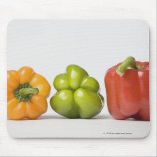 Närbild av spansk peppar i en ro musmatta