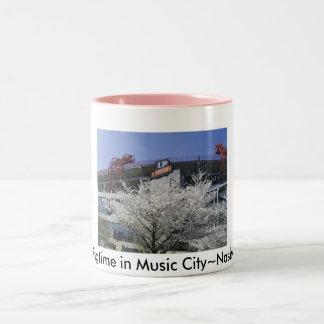 NashvilleFanFare 001, Springtime i musik City~… Två-Tonad Mugg