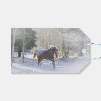 Nätt häst i snöjuletiketter presentetikett