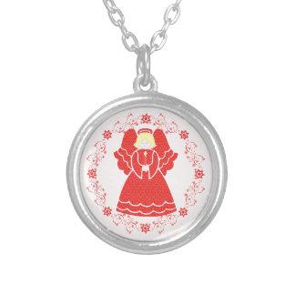 Nätt julängel i rött snöre silverpläterat halsband