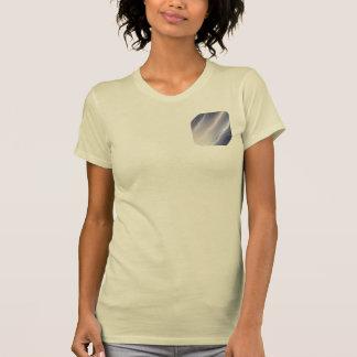 natt-sjölandskap med-vågar t-shirts