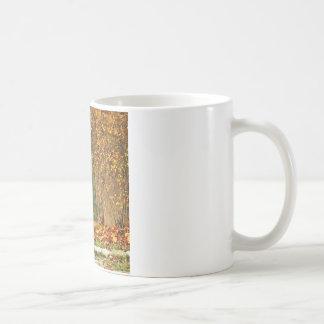 Naturhöst in i skogen kaffemugg