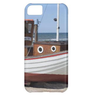 Nautisk fiskebåtsitta på sandig havstrand iPhone 5C fodral
