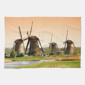 Nederländerna Kinderdijk. Windmills bredvid Kökshandduk