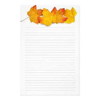 Nedgånglönnlövgräns, fodrat handstilpapper brevpapper