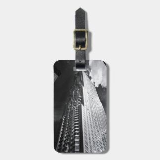 New York City skyscraper i svartvitt Bagagebricka