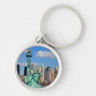 NEW YORK RUND SILVERFÄRGAD NYCKELRING