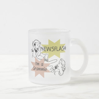 Newsflash mig förmiddag en Grammie T-tröja och Frostad Glasmugg