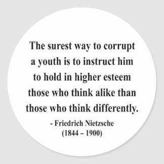 Nietzsche citationstecken 2a runt klistermärke