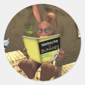 Nietzsche för mycket liten nation för kaniner runt klistermärke
