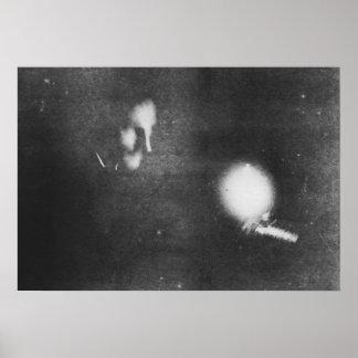 Nikola Tesla med den phosphorescent kulan, 1894 Poster