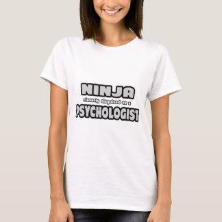 Ninja som förställas Cleverly som en psykolog Tshirts