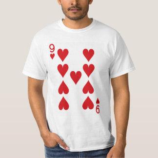Nio av hjärtor som leker kortet t shirt