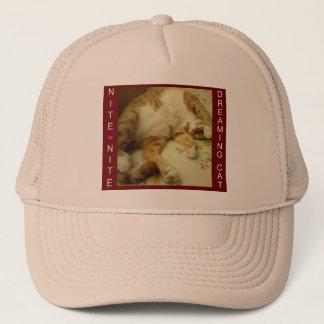 Nite Nite som drömm katten, kopplar ihop hattar Truckerkeps