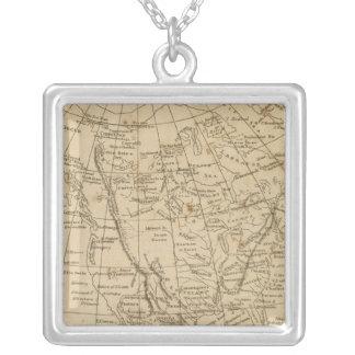 Nordamerika 15 halsband med fyrkantigt hängsmycke