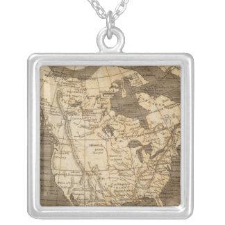 Nordamerika karta vid Arrowsmith Halsband Med Fyrkantigt Hängsmycke