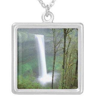 Nordamerika USA, Oregon, statliga silvernedgångar Halsband Med Fyrkantigt Hängsmycke