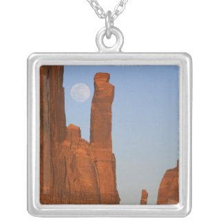 Nordamerika USA, Utah, monumentdal, 2 Halsband Med Fyrkantigt Hängsmycke