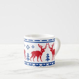 Nordiskt julrenmönster espressomugg