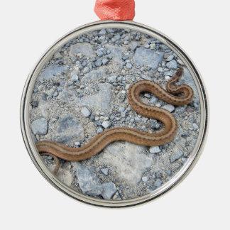 Nordlig brun orm julgransprydnad metall