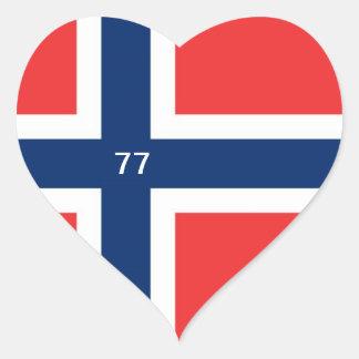 NORGE 77 HJÄRTFORMAT KLISTERMÄRKE