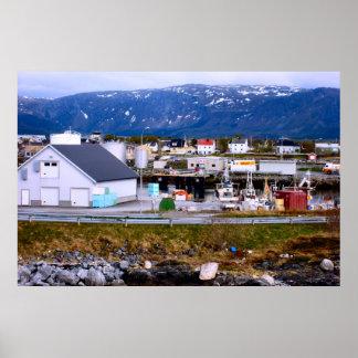 Norge, hav, hamn och berg affisch