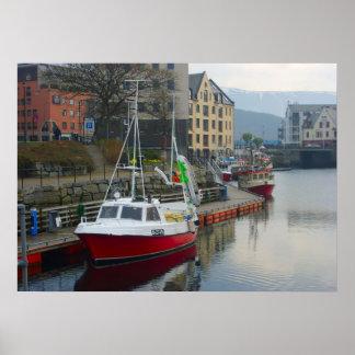 Norge modern inshore fiskebåt i port print