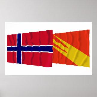 Norge och Østfold som vinkar flaggor Affisch