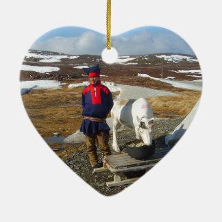 Norge Sami bosättning i Lapland Hjärtformad Julgransprydnad I Keramik