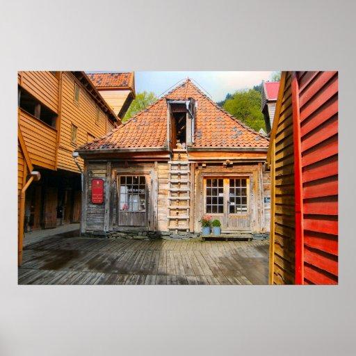 Norge träbyggnader i en lantlig by posters