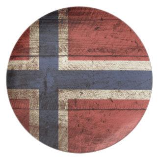 Norgeflagga på gammalt Wood korn Tallrik