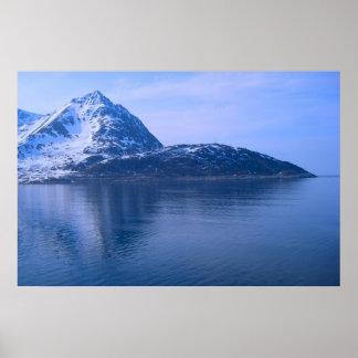 Norgen hänrycker till en fjord affischer