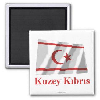 Norr Cypern som vinkar flagga med namn i turk Magnet