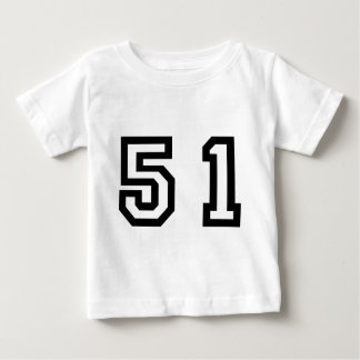 Numrera femtio en t-shirts