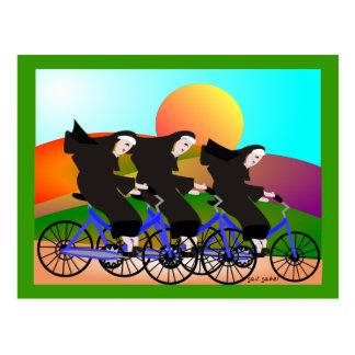 Nunnor på cykelkonstgåvor vykort